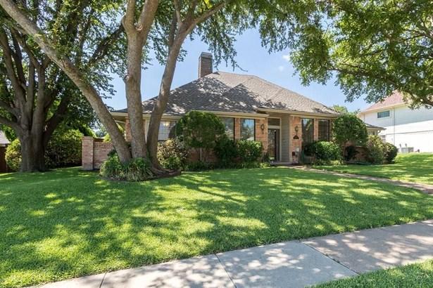 1708 Cross Bend Road, Plano, TX - USA (photo 2)