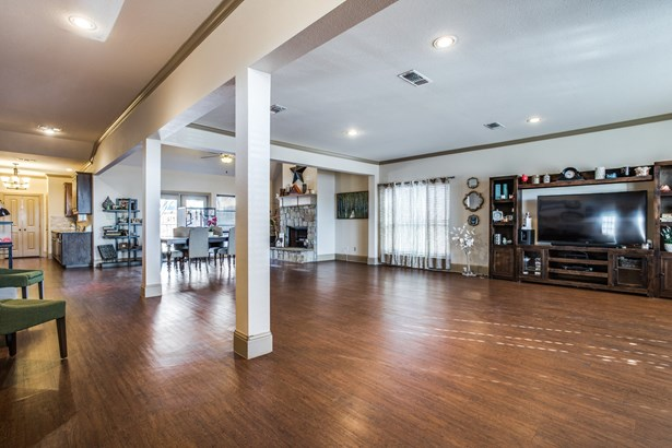 5616 Usher Street, The Colony, TX - USA (photo 4)