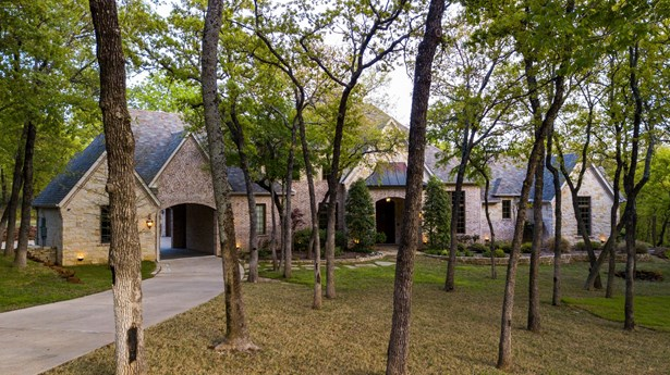 5475 Summit Trace Drive, Aubrey, TX - USA (photo 2)
