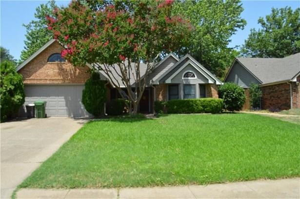 573 Dove Creek Circle, Grapevine, TX - USA (photo 1)