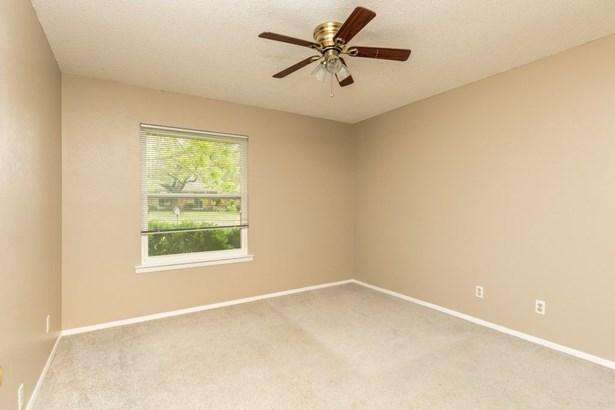 1601 Arrowhead Drive, Pantego, TX - USA (photo 3)
