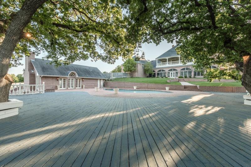 10 Home Place Court, Dalworthington Gardens, TX - USA (photo 2)