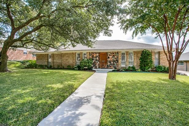2810 N Surrey Drive, Carrollton, TX - USA (photo 1)