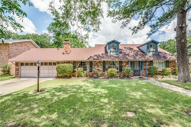 1213 Woodleigh Drive, Irving, TX - USA (photo 1)