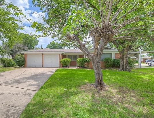 900 Hurstview Drive, Hurst, TX - USA (photo 3)