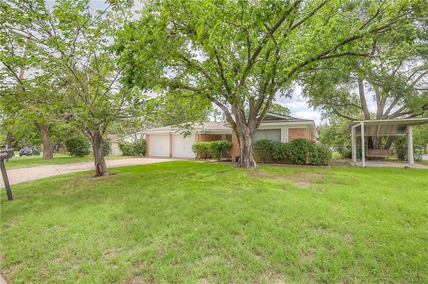 900 Hurstview Drive, Hurst, TX - USA (photo 4)