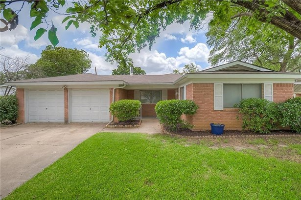 900 Hurstview Drive, Hurst, TX - USA (photo 5)