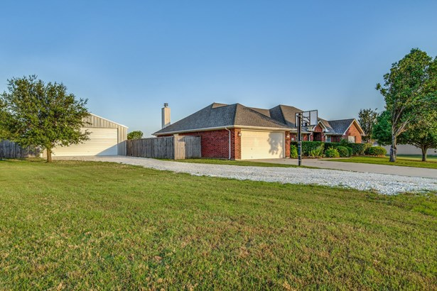 858 Fairview Drive, Krugerville, TX - USA (photo 4)