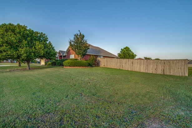 858 Fairview Drive, Krugerville, TX - USA (photo 5)