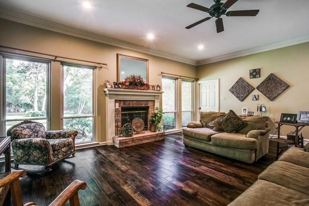 3901 N Shadycreek Drive, Arlington, TX - USA (photo 4)