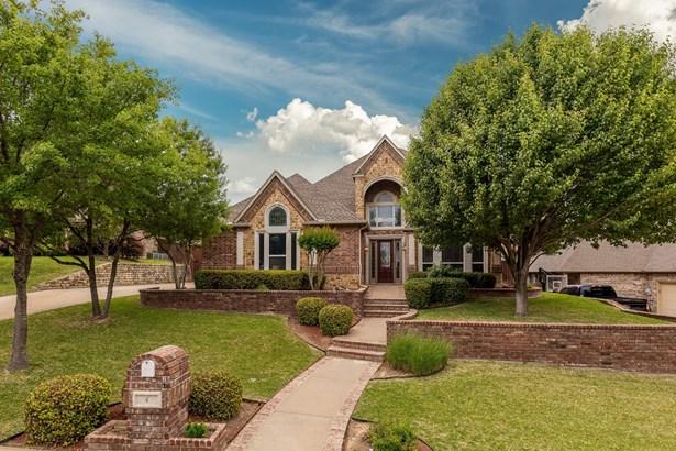 4 Crestlake Court, Mansfield, TX - USA (photo 1)
