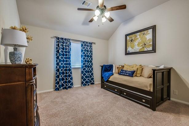1717 Zebra Finch Drive, Little Elm, TX - USA (photo 2)