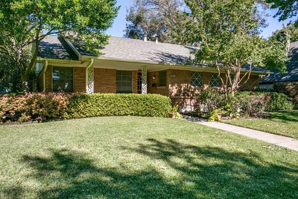 9739 Robin Hill Circle, Dallas, TX - USA (photo 1)