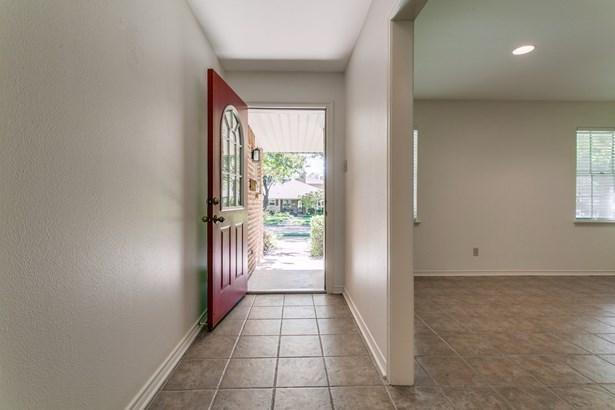 9739 Robin Hill Circle, Dallas, TX - USA (photo 4)