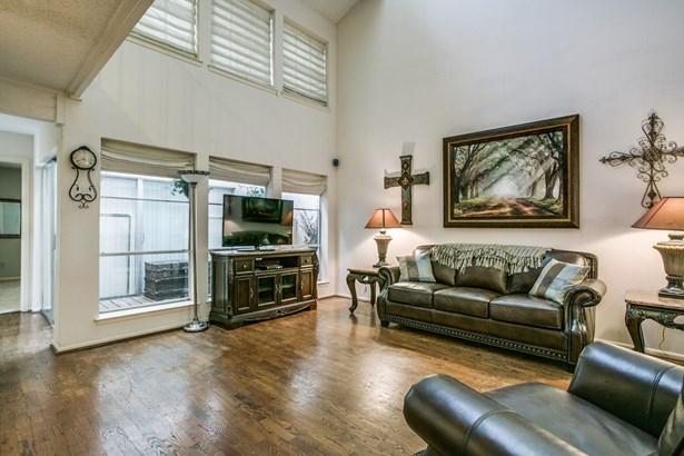 9304 Chimney Corner Lane, Dallas, TX - USA (photo 5)