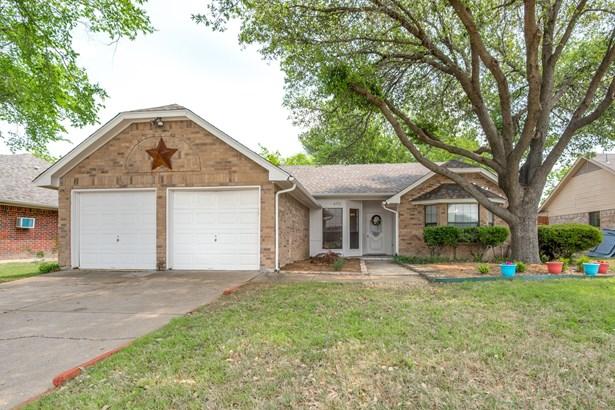 6712 Richfield Drive, North Richland Hills, TX - USA (photo 1)