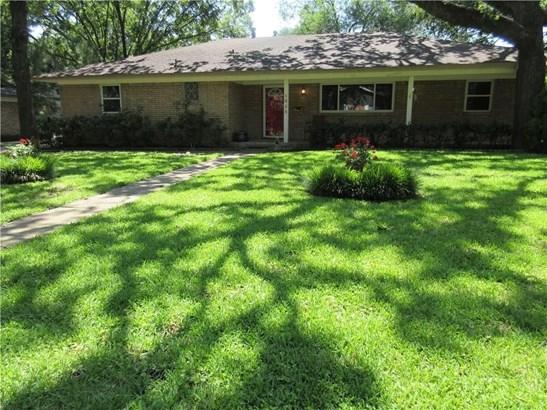 1625 Cypress Drive, Irving, TX - USA (photo 1)