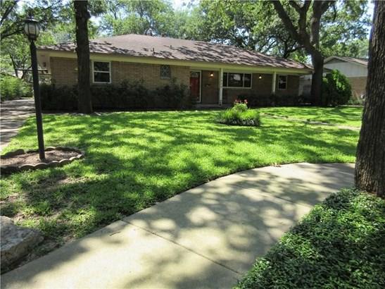 1625 Cypress Drive, Irving, TX - USA (photo 2)