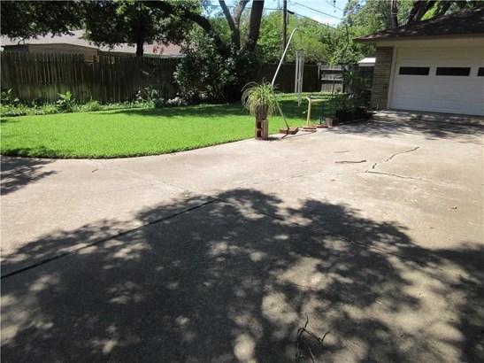 1625 Cypress Drive, Irving, TX - USA (photo 4)