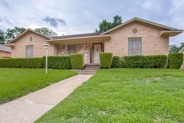 224 Duke Street, Garland, TX - USA (photo 2)