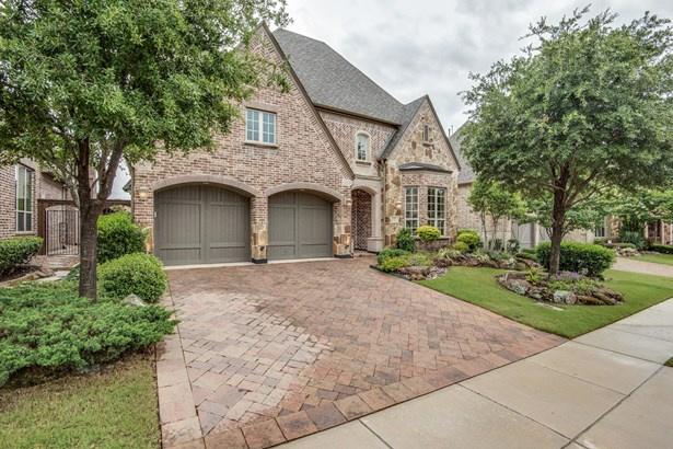 656 Clearwater Drive, Irving, TX - USA (photo 1)