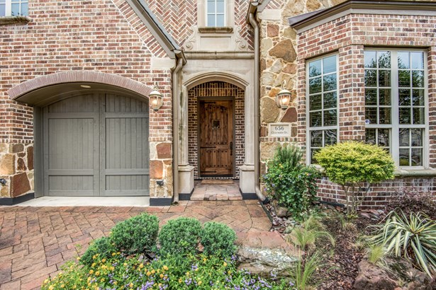 656 Clearwater Drive, Irving, TX - USA (photo 3)