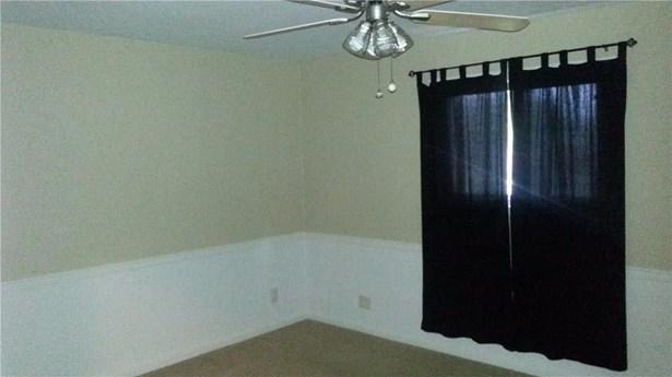 18016 Lakeview Boulevard, Mabank, TX - USA (photo 4)