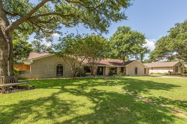 4526 Laren Lane, Dallas, TX - USA (photo 2)