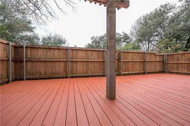 2956 Country Place Circle, Carrollton, TX - USA (photo 3)