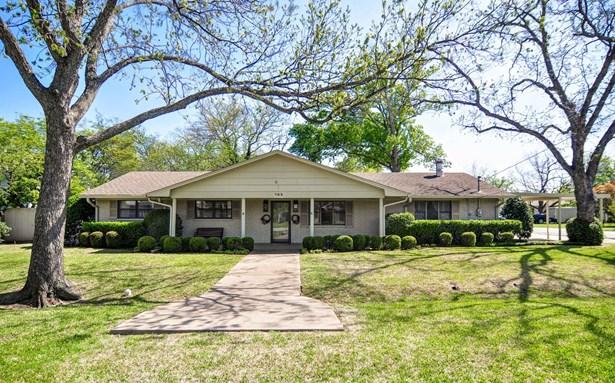 702 Peach Street, Sanger, TX - USA (photo 1)