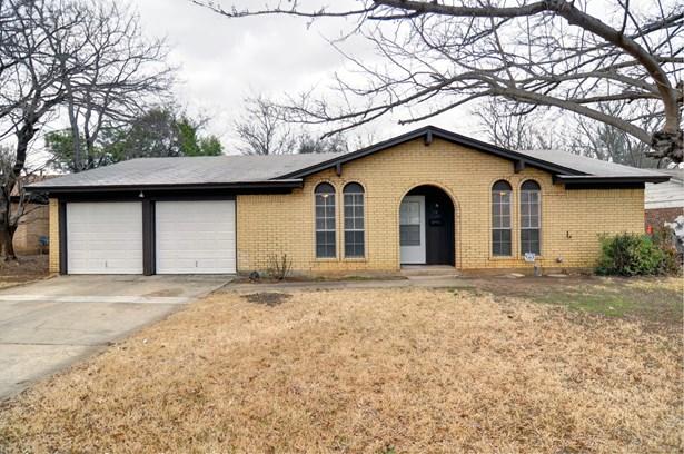 5124 Cloyce Court, North Richland Hills, TX - USA (photo 1)