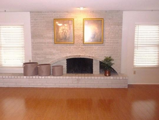 802 Brentwood Lane, Richardson, TX - USA (photo 5)