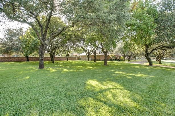 714 Stonelake Drive, Cleburne, TX - USA (photo 3)