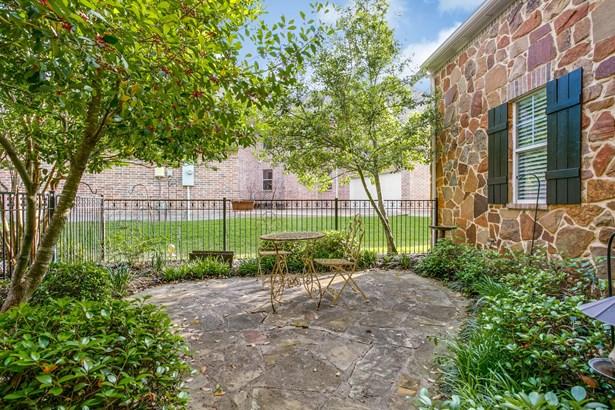 7202 Covewood Drive, Garland, TX - USA (photo 3)
