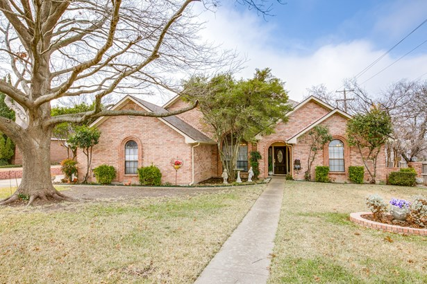 715 Meadowbrooke Circle, Duncanville, TX - USA (photo 1)