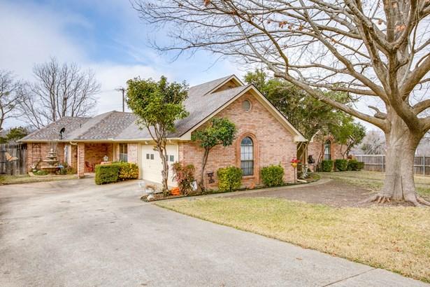 715 Meadowbrooke Circle, Duncanville, TX - USA (photo 2)