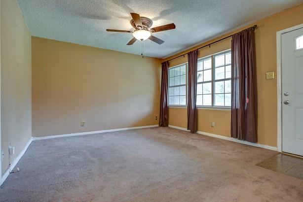 7665 Woodshire Drive, Dallas, TX - USA (photo 2)
