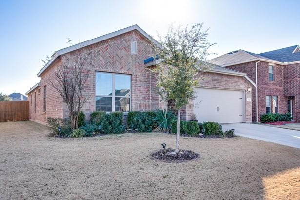 421 Foxcraft Drive, Fort Worth, TX - USA (photo 2)
