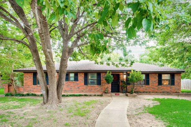 1405 Roman Road, Grand Prairie, TX - USA (photo 2)