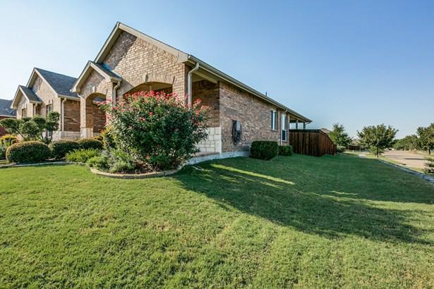 1747 Summerwood Lane, Cedar Hill, TX - USA (photo 2)