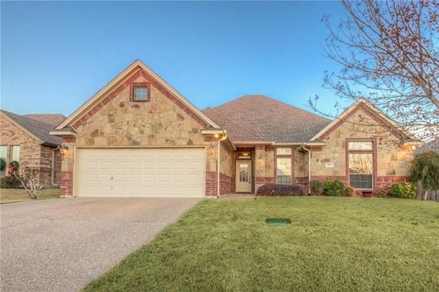 7417 Heights View Drive, Benbrook, TX - USA (photo 1)