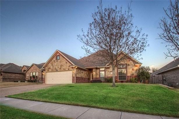 7417 Heights View Drive, Benbrook, TX - USA (photo 3)