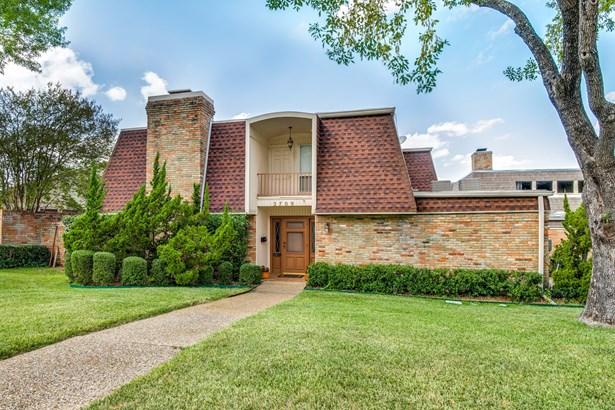 2709 Country Place, Carrollton, TX - USA (photo 2)