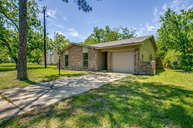 213 Mockingbird Lane, Denton, TX - USA (photo 3)