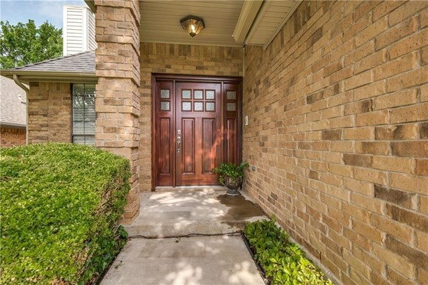 1205 Olde Towne Drive, Irving, TX - USA (photo 2)