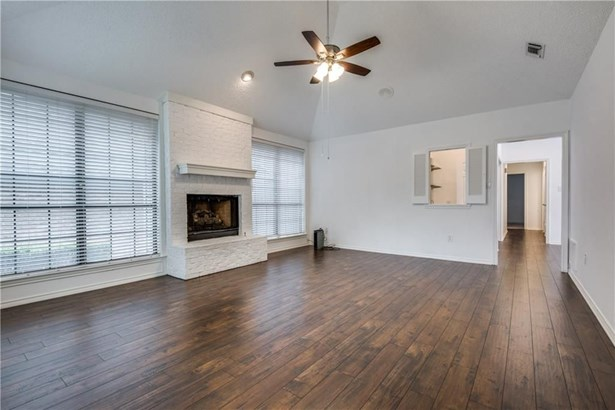 1205 Olde Towne Drive, Irving, TX - USA (photo 4)