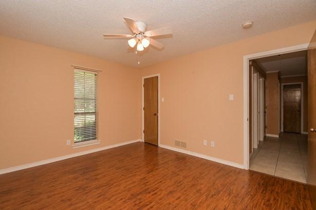 1406 Sherwood Drive, Rowlett, TX - USA (photo 2)