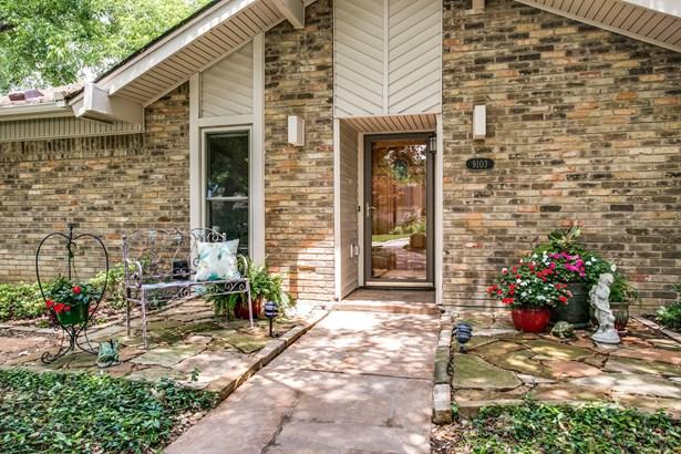 9103 Summer Glen Lane, Dallas, TX - USA (photo 3)