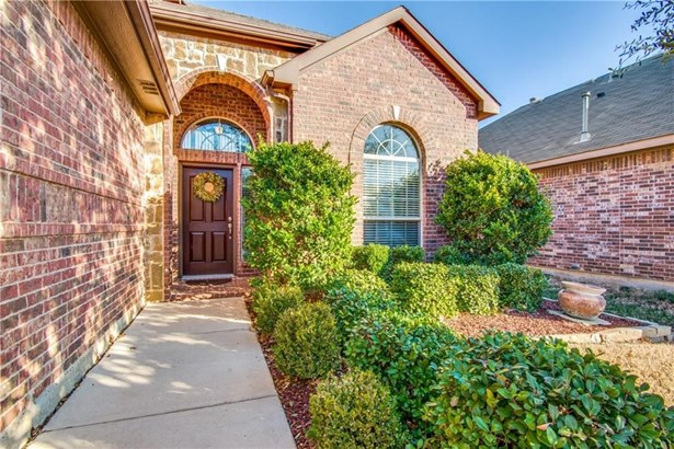 2717 Twinflower Drive, Fort Worth, TX - USA (photo 2)