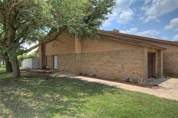 6810 Ports O Call Drive, Rowlett, TX - USA (photo 2)
